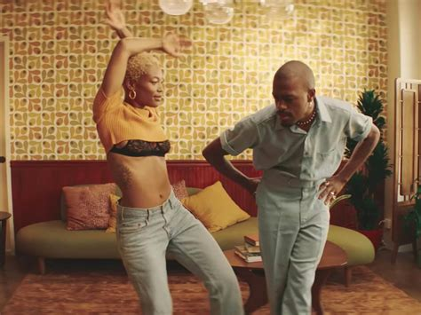 """Duckwrth dances with his """"Crush"""" in new video 